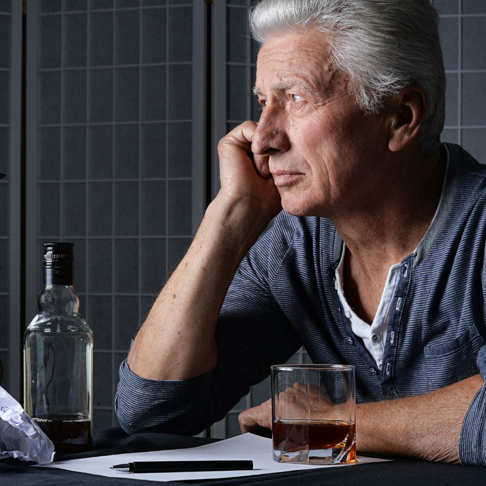 UF researchers find long-term heavy alcohol use, older adults don't mix